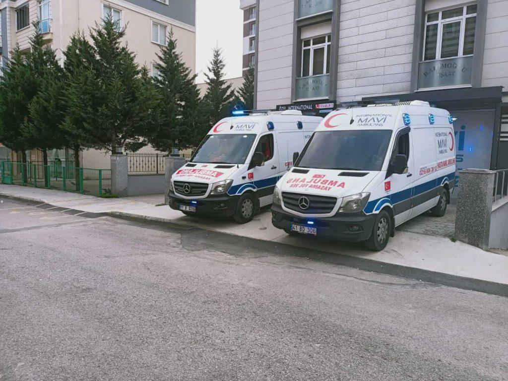 iki adet özel ambulans